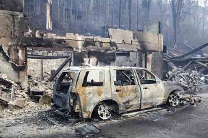 Death toll from Tennessee wildfires increases to 10