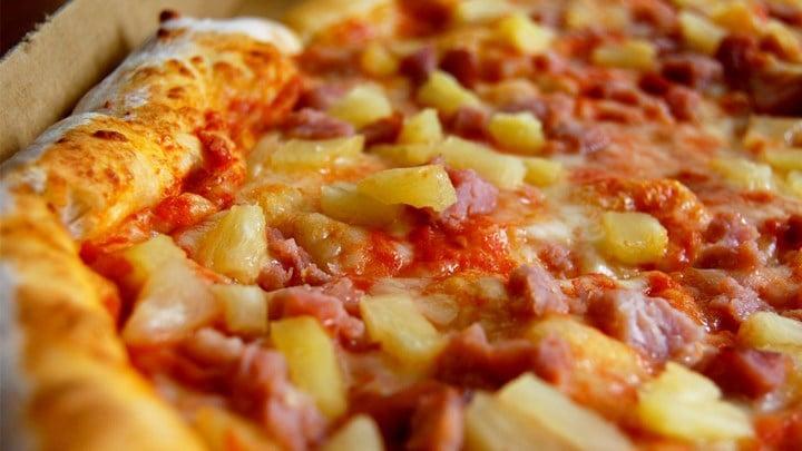 Hawaiian pizza creator Sam Panopoulos dies aged 83