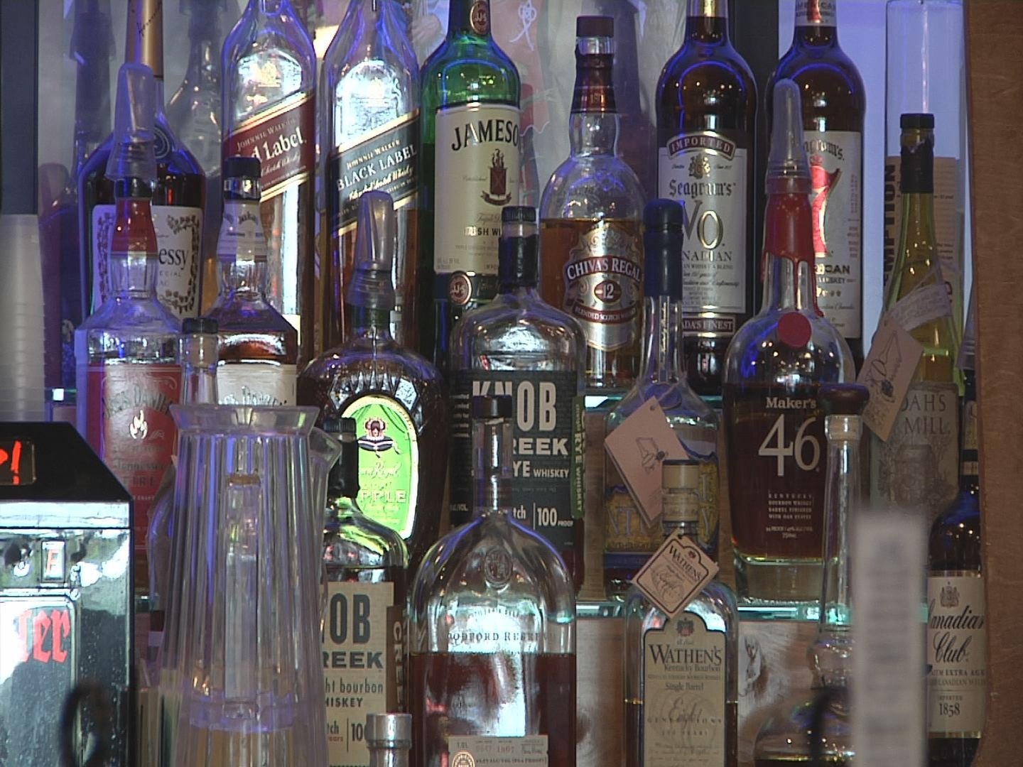 Marshall County, Kentucky wants to ban bars with a new ordinance.