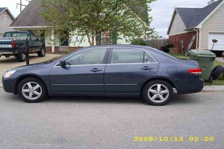 Image provided by the McCracken County Sheriff's Dept. that shows a similar vehicle to the one stolen.