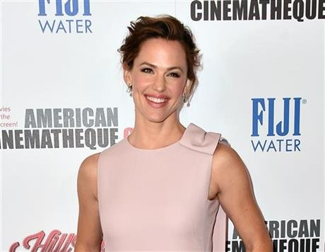 In this Oct. 30, 2015 file photo, Jennifer Garner arrives at the 29th American Cinematheque Awards honoring Reese Witherspoon in Los Angeles. Garner  testified before the Kentucky House budget committee on Tuesday, Feb. 9, 2016. (AP photo)