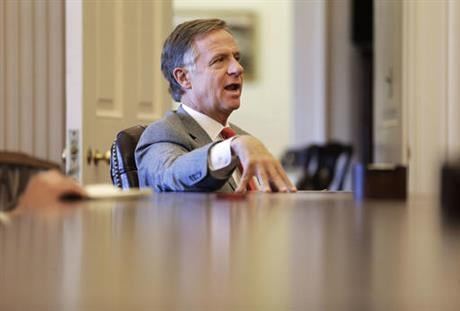 Tennessee Gov. Bill Haslam answers questions during an interview Thursday, Feb. 11, 2016, in Nashville, Tenn. (AP photo)